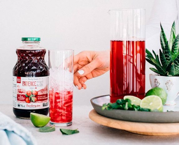 jus-canneberges-cranberry-juice-bottle